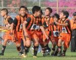 Celebración de los pequeños de la academia Alfaro Moreno sub-10, luego de ganar 3-2 la final de la serie ante el equipo CARP