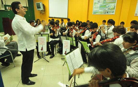 La sinfónica de este centro educativo volverá a demostrar sus dotes musicales durante la inauguración del Interbarrial de Fútbol. El grupo estará dirigido por el profesor Parsival Castro.