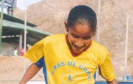 Solange Ramírez, delantera de la EF. Almas de Cristo.