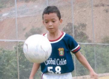 John Delgado, goleador del Cristóbal Colón sub-9.