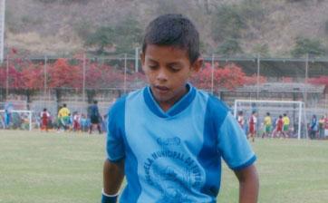 Nelson Game, rápido y goleador de EF. Ciudad de Durán.