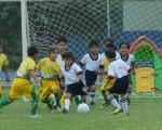 Enrique Mata (20) anotó el primer tanto en la goleada 4-0 de su equipo EF Maridueña sobre la Escuela de Fútbol Diana Quintana.