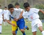 Juan Delgado (40) anotó el primer gol de Vendaval Norte en la victoria de 3-1 frente a D.M. Playas por la sub-13 del Interbarrial.