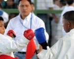 Rolando Baque, (i) y Luis Chóez participaron en la fase preliminar del XII Interbarrial de Karate, que auspicia EL UNIVERSO.
