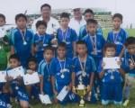 SANTA ELENA. Academia de Fútbol La Champions, que obtuvo la corona en la final de la categoría sub-10 del torneo barrial.