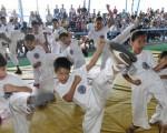 Pequeños que pertenecen a la escuela de karate Carlos Pin que intervendrán en el XIII Campeonato Interbarrial de Karate que auspicia Diario EL UNIVERSO.
