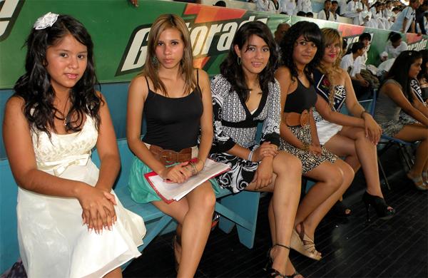 Guayaquil, 29 de octubre de 2012; inauguración del XIV Torneo Interbarrial de Taekwondo, realizado en le Coliseo Abel Jiménez Parra.  Diferentes madrinas del torneo, ante de la elección de la reina