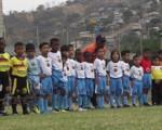 Jugadores de Barcelona, Cristo Te Ama, Alfaro F y la Unidad Educativa Javier que disputaron el título en la categoría sub-7 del Campeonato Interbarrial de Fútbol, edición de Verano.
