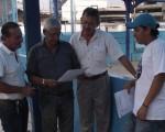 Julio Fuentes (i), César Jiménez, José Peralta y Roy Baquerizo apoyarán en la realización del torneo Novatos de Natación.