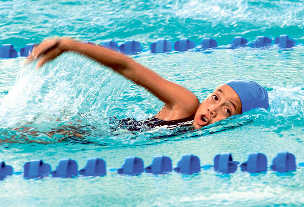 Milenka Rosero, de Fedesmeraldas, se ubicó tercera en la clasificación individual de la categoría 7-8 años del Novatos.