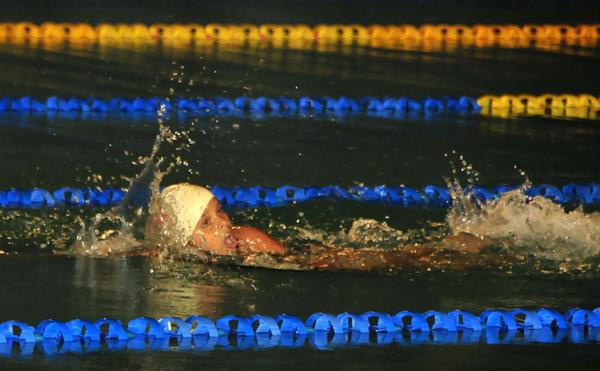 Ivi Macías, de la Asociación Provincial de Natación del Guayas, se ubicó primera en la competencia de los 100 m libre, 7-8 años.