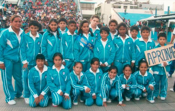 Equipo de la Apronag, que participa con cerca de 25 deportistas y que también ha logrado destacar por Guayas en el Campeonato Nacional del Novatos de Natación de Diario EL UNIVERSO.
