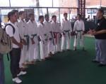 Alberto Paz (d) es el técnico de los alumnos del colegio Aguirre Abad que intervendrá por primera ocasión en el Campeonato Interbarrial de Karate que auspicia Diario EL UNIVERSO. (Guido Manolo Campaña)