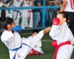 Nataly Banchón (i), de Liga del Sur, se enfrentó a Iscra Cabrera, de Bravos, por la tercera fecha del torneo de karate. (Francisco Verni)