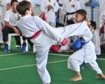 Nataly Banchón (i) se enfrentó ante Gabriela Cáceres en la jornada de semifinales del Campeonato Interbarrial de Karate. Francisco Verni