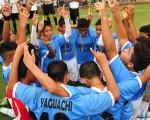 Alegría por el título. El conjunto de EFM Yaguachi alcanzó con honores la corona en la serie sub-15 por su buen jugar. (Angél Aguirre)
