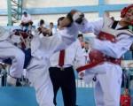 Camilo Mendoza (i) se enfrentó ante Camilo Mendoza en una de las finales del torneo Interbarrial de Taekwondo. (José Alvarado)