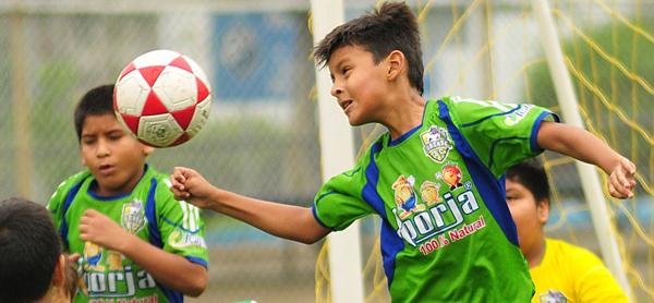 Uno de los encuentros del barrial de fútbol, edición 2013.