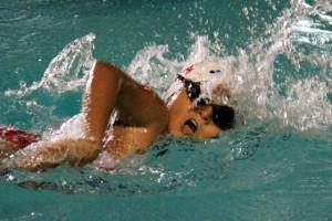 Damaris Peralta, del club Diana Quintana, participó en la ronda clasificatoria de la edición 50 del Campeonato Novatos de Natación que auspicia EL UNIVERSO. (Ronald Cedeño)