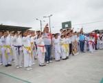 La Escuela de Karate del Municipio de Durán (i) junto a la Fundación Roberto Gilbert, en la inauguración del barrial. (Guido Manolo Campaña)