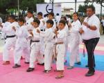 La academia de karate Héctor Mora se destaca porque trabaja con deportistas novatos y los forma para que intervengan en los diferentes torneos provinciales y el Campeonato Interbarrial que auspicia Diario EL UNIVERSO.