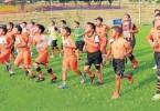 Centenares de equipos entrenan con ahínco en diversos campos de fútbol del país para llegar en buen estado técnico y físico al Interbarrial, que muy pronto se inaugura en la Ciudad Deportiva. (Víctor Serrano)