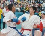 Roy León (i) se enfrentó a Jean Pierre Mera, por el Interbarrial de Karate.