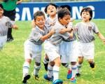 Integrantes del Deportivo Cuenca que hoy jugarán a las 12:50 por el Mundialito de Fútbol de Clubes del Ecuador, en la sub-12.