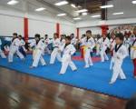 Deportistas que intervinieron en la primera fecha de los combates simulados, durante la jornada que se realizó en el Polideportivo Huancavilca. (Guido Manolo Campaña)