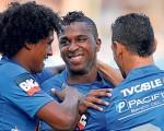 Emelec,con su 12ª estrella y Miller Bolaños, el mejor jugador ecuatoriano 2014. (Víctor Serrano)