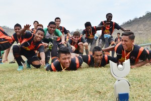 La Academia Alfaro Moreno conquistó tres coronas en las categorías sub-19, 20 y 21 del Campeonato Interbarrial de Fútbol. (Ángel Aguirre)