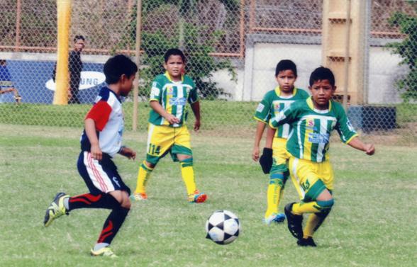 Vibrante partido protagonizaron los conjuntos de EF M Marcelino Maridueña contra Independiente FC en la categoría sub-10.