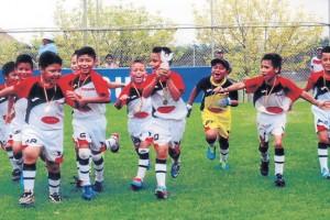 EF JOMA, de Cuenca, llegará al certamen Invernal 2015 con tres categorías. Ratificará el buen fútbol que practica y dará las clásicas vueltas olímpicas con su fiel hinchada.