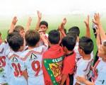 Festejan su corona. Jugadores del Deportivo Cuenca en la sub-8. Estarán en la lid del Invernal de Diario EL UNIVERSO.