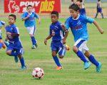 Intenso partido el que protagonizaron las escuadras de EF Unamuno (pantaloneta azul) y Amigos del Fútbol.
