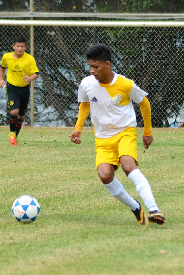 Joel Bajaña destaca en Deportivo Banife, sub-16.