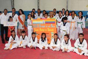 Deportistas que representan al GAD Daule en el Campeonato Interbarrial de Taekwondo, que auspicia Diario EL UNIVERSO. (Víctor Serrano)