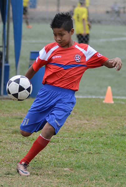 Danilo Bermeo, del equipo EF Richard Borja, en sub-13