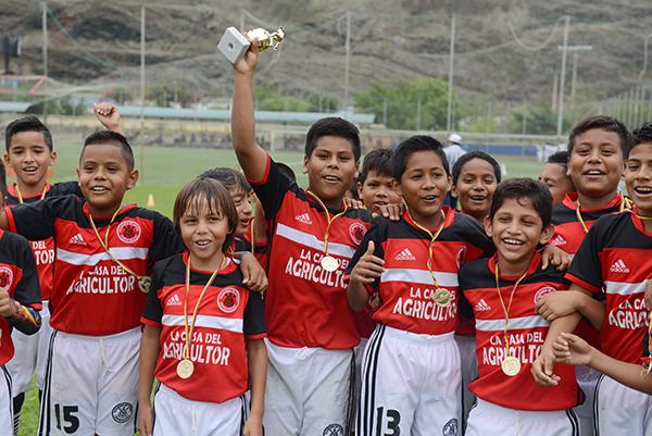 Corinthians, del cantón El Triunfo, consiguió el título en la categoría sub-11 del Campeonato Interbarrial de Fútbol, edición de Verano.