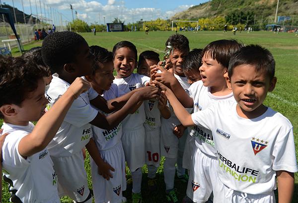 Liga de Quito Guayaquil, campeones en la categoría sub-6 en el Interbarrial.