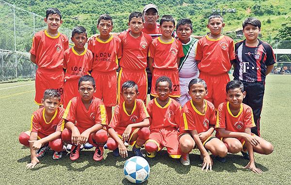 LDC Ventanas. Es protagonista con su fútbol en el semillero del 2017.