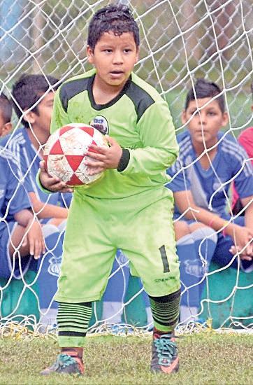 Gustavo Rodas, golero de la Academia de Fútbol Spencer.