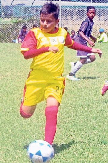 Jordy Guzmán es delantero de la Prefectura del Cañar.