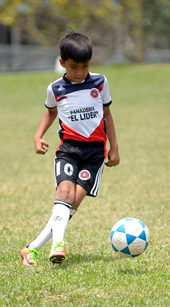 Carlos Calderón, delantero de Corinthian FC, en sub-9.