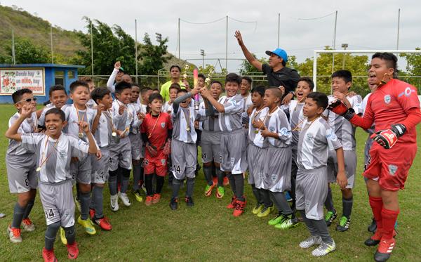 Club Sport Patria, el decano del fútbol ecuatoriano, brilló con cuatro títulos en el Interbarrial Invernal de EL UNIVERSO.
