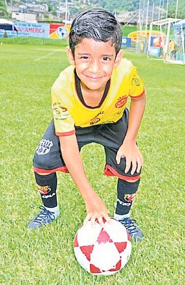Xavier Hernández, delantero de Barcelona-Milagro.