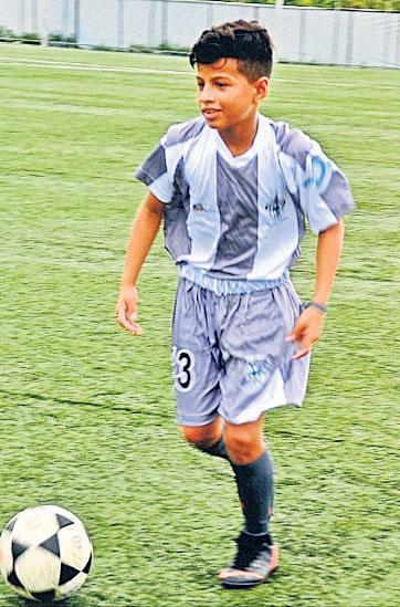 Elkin Romero, puntero del club Decano, categoría sub-14.