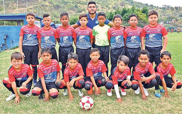 Rocafuerte FC, competirá en el Mundialito de clubes del país.